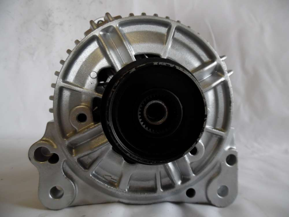 Lichtmaschine Generator 120A VW Audi 028903028 Bosch 0123515003