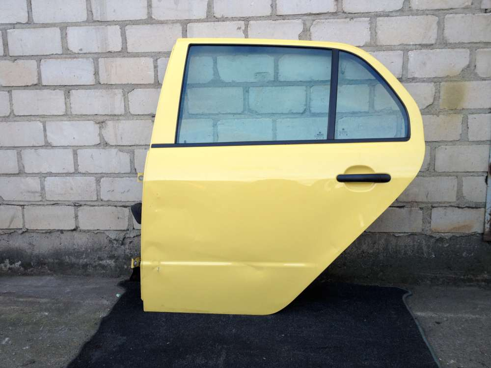 Skoda Fabia 6Y Bj 2002 Limousine hinten Links gelb