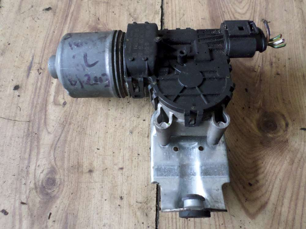 Seat Ibiza Scheibenwischermotor 6Q2955119A 0390241526 Wischer