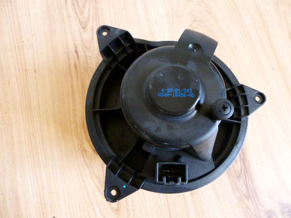 Ford Focus Gebläse Motor   XS4H-18456-AD