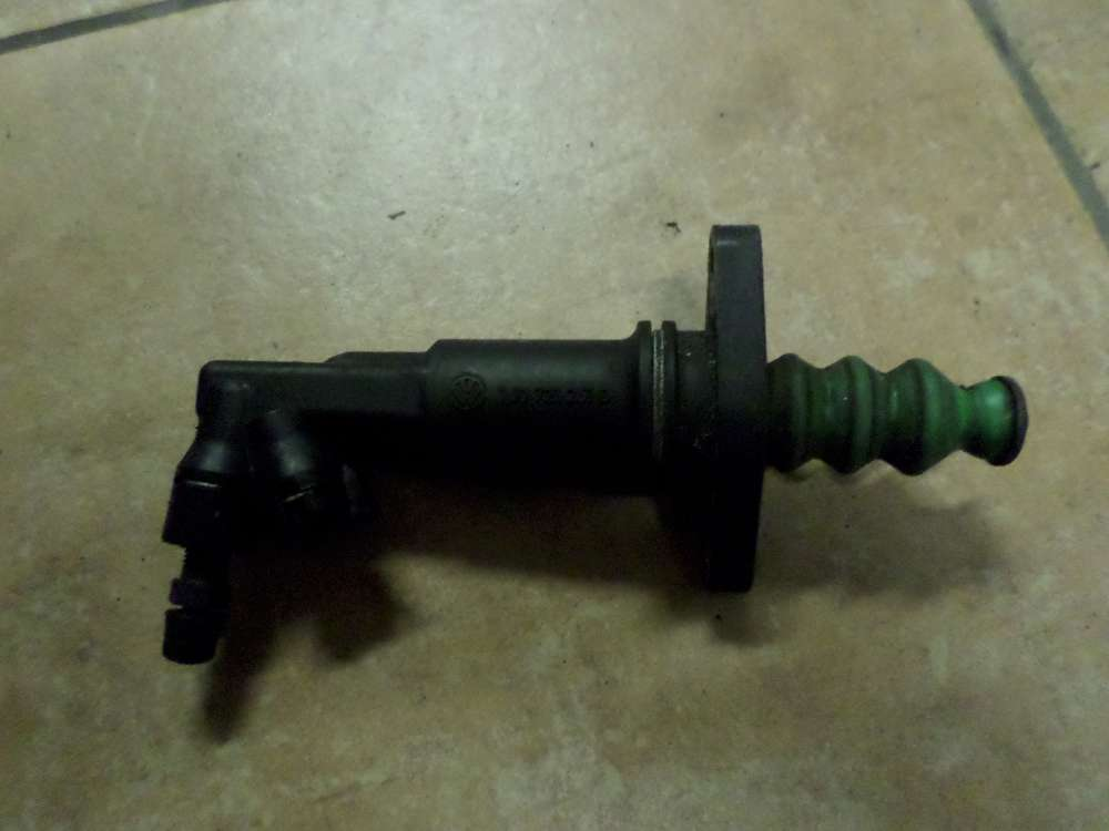 Skoda Octavia Kupplung Kupplungszylinder Nehmerzylinder 1J0721261D