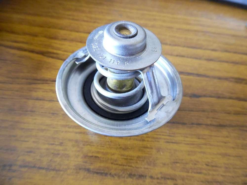 Audi / VW Golf Thermostat Kühlwasserthermostat 025121113F