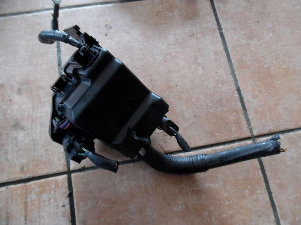 Mazda 2 DY Bj 2004 Sicherungskasten Motorraum