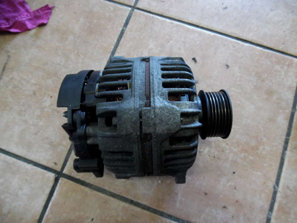 Seat Leon 1M Bj 2003 Lichtmaschine Generator Bosch 028903028