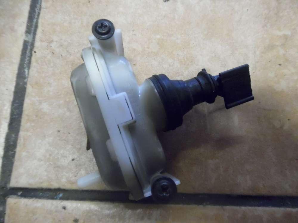VW Passat 35I Stellventil Zentralverriegelung Tankklappe Hinten 357862153A