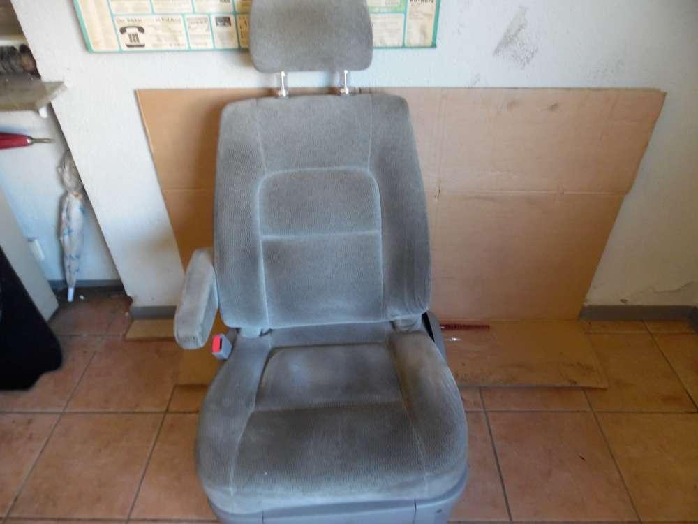 KIA Carnival Bj:2005 Sitz Fahrersitz mit Airbag und Armlehne elektrisch Vorne Links Farbe Grau