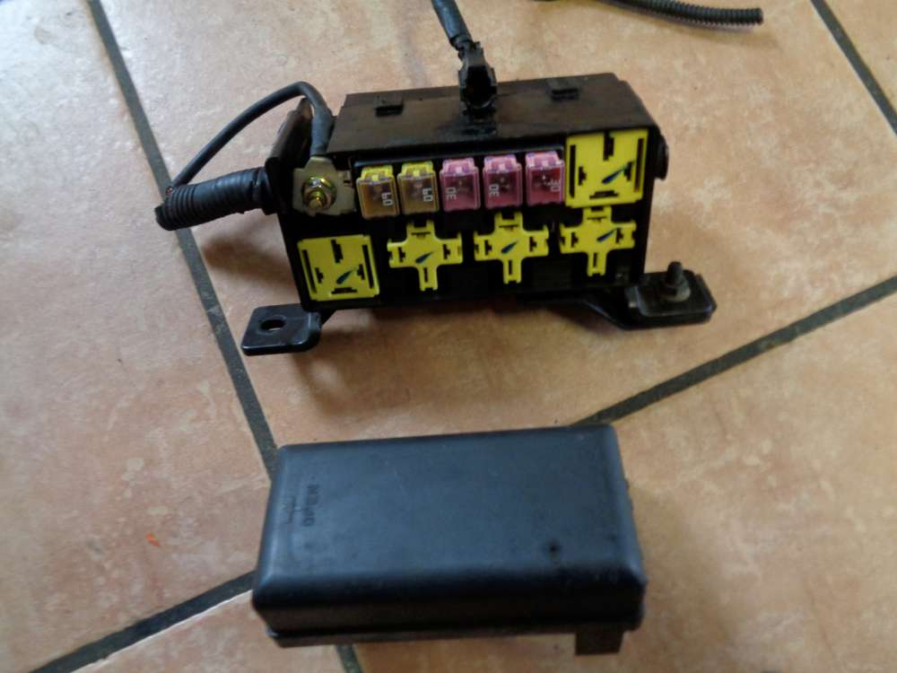 KIA Carnival Bj:05 2.9 CRDI Sicherung Relaiskasten Sicherungskasten OK53A67BX1