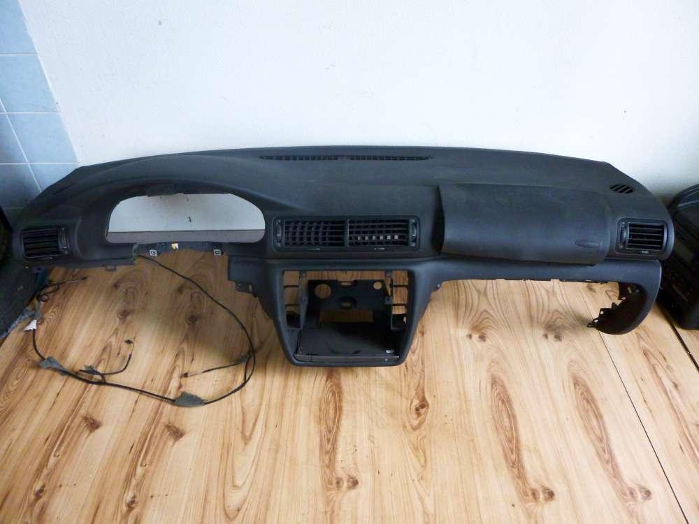 VW Passat Bj.2000 Armaturenbrett 3B1857003