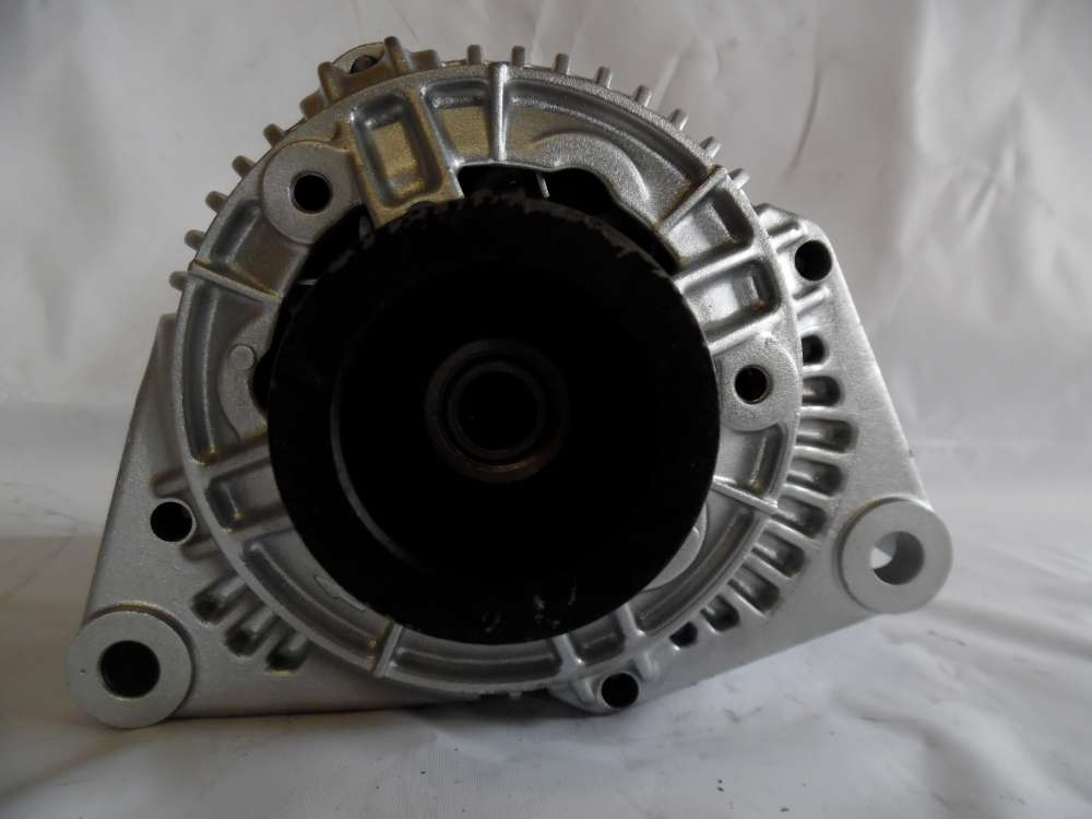 Lichtmaschine Generator 90A Mercedes 0101544602 Bosch 0123320044