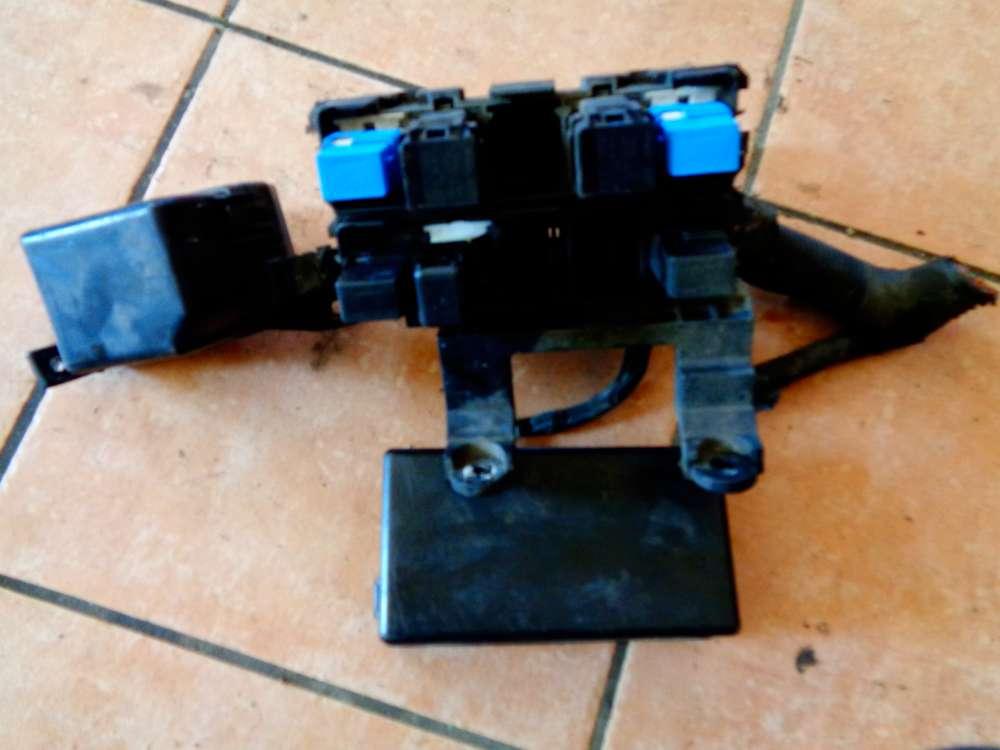Nissan Primera P12 Bj:03 Sicherungskasten Relaiskasten Motorraum