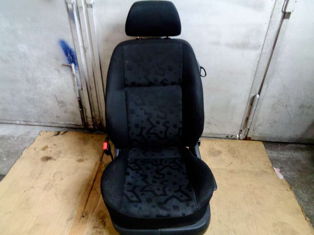 VW Golf 4 Bj:2000  3 Türer Fahrersitz Sitz Vorne Link
