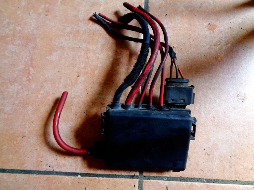 VW Golf 4 Kombi Bj:2002 Batterie Sicherung Einheit 1J0937773