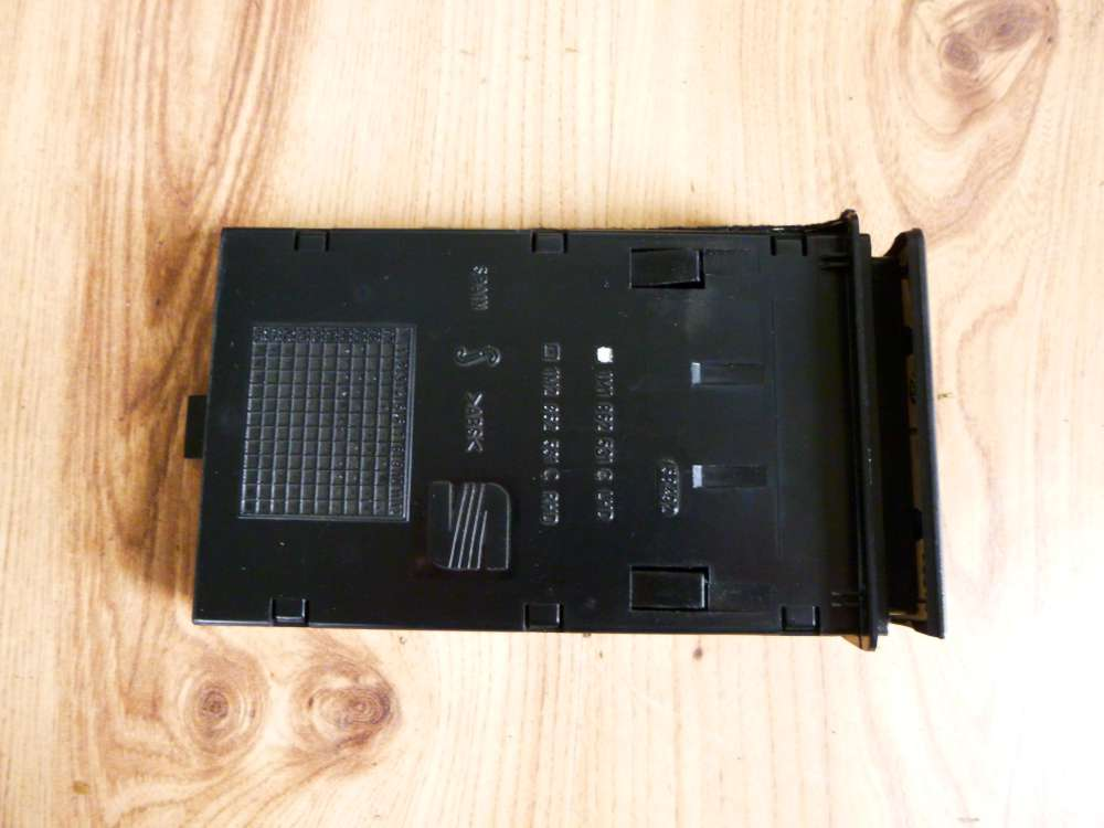Seat Leon 1M Bj.2001 Getränkehalter Becherhalter vorne 1M1862531C
