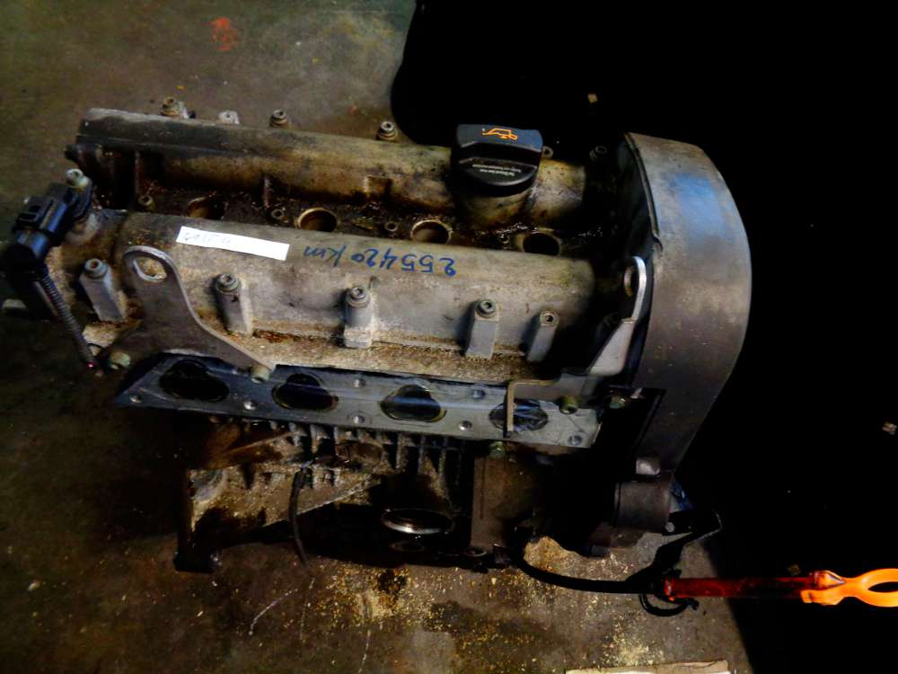 VW Golf 4 Bj:2000 1.4 16V  Motor Benziner 255420 KM