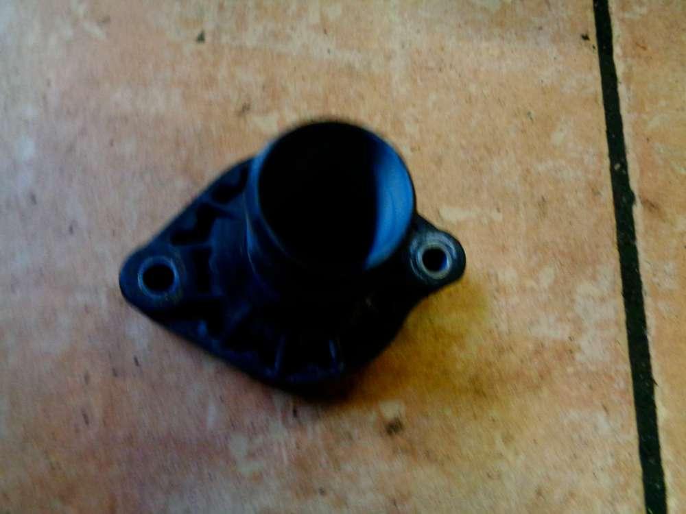 Toyota Aygo 1.0 GPL Bj:2009 Kühlwasserflansch Thermostgehäuse