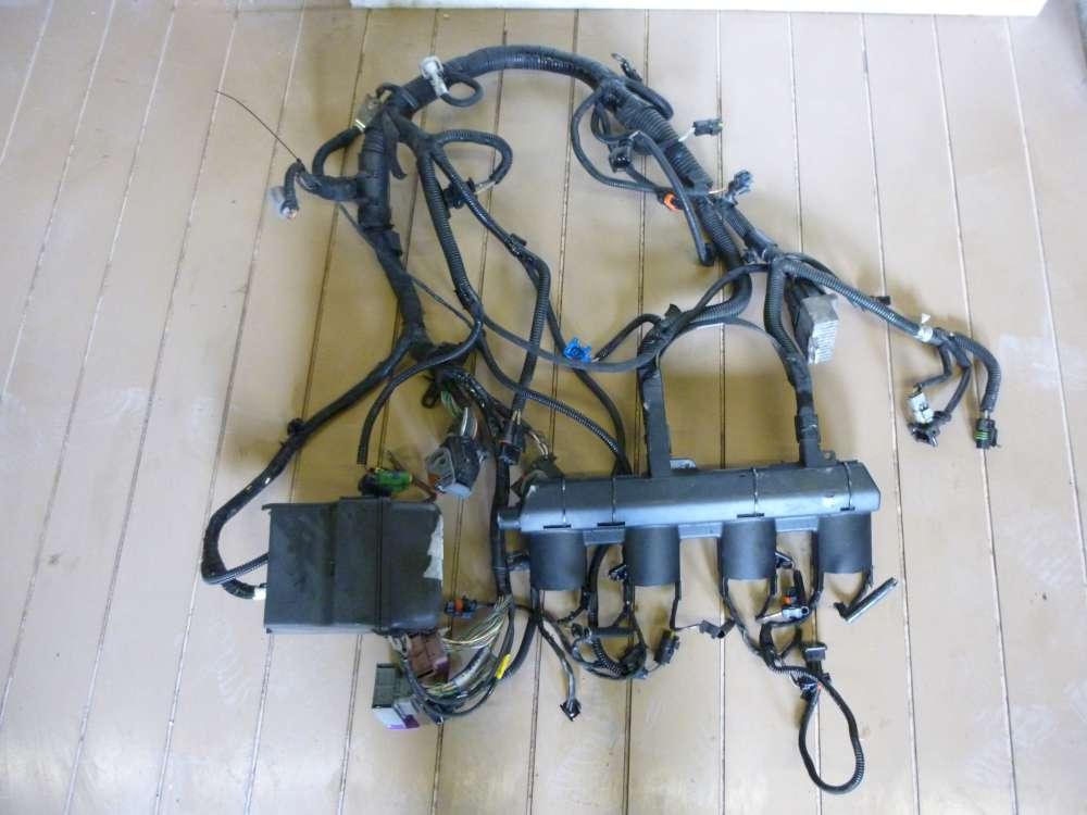 Renault Espace IV Motorkabelbaum mit Sicherungskasten 8200272453