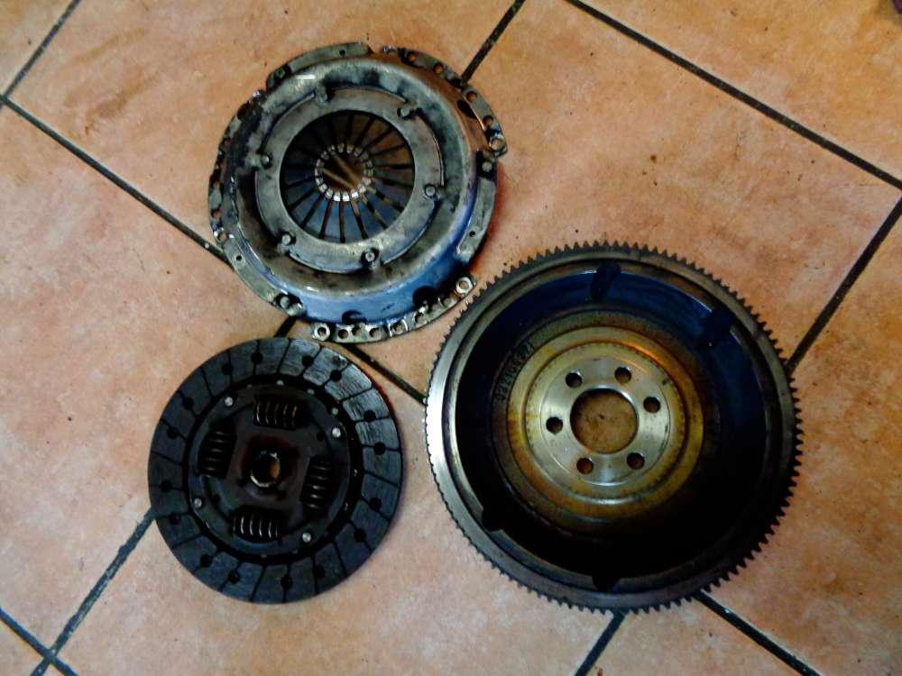 VW Polo 6N2 Bj:2000 Schwungscheibe Schwungrad Druckplatte Kupplung 032106271
