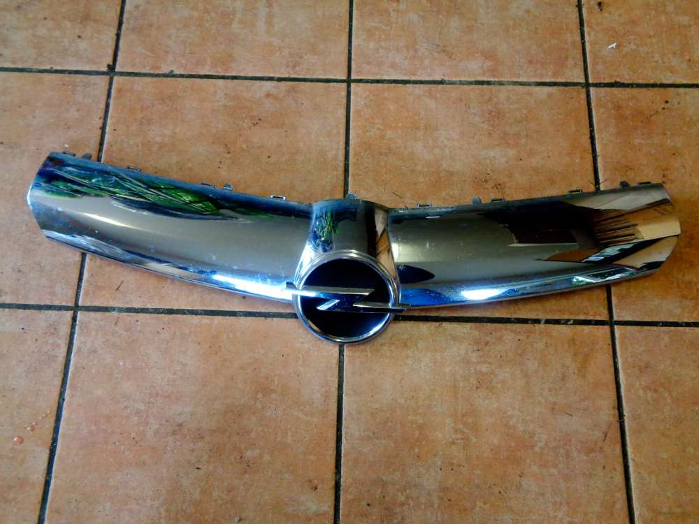 Opel Corsa D 5 Türer Bj:2008 Kühlergrill Chrom mit Emblem 13223226 475498858
