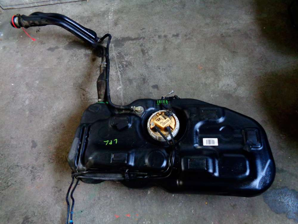 Opel Corsa D Diesel Kraftstofftank 13216657 mit Kraftstoffpumpe 13204563