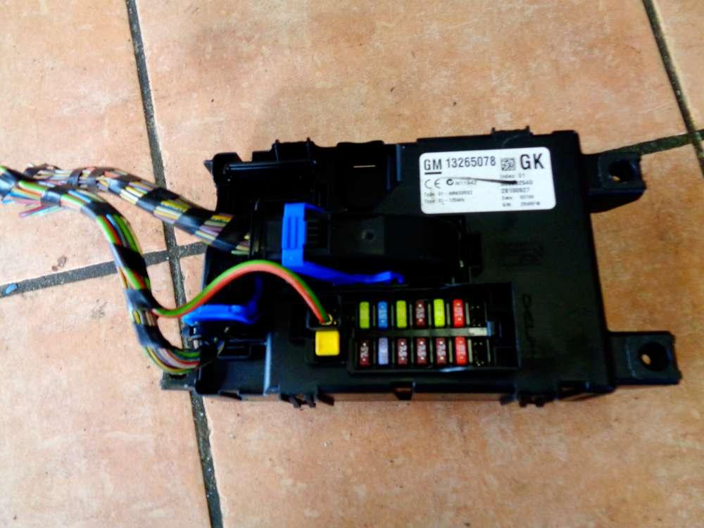 Opel Corsa D Bj:08 Sicherungskasten Relaiskasten 13265078 Delphi 28100927