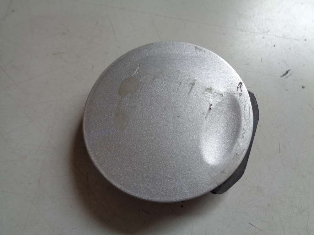 Opel Astra H Bj:2008 Abdeckung Abschleppöse Stoßstange vorn Silber 24460462