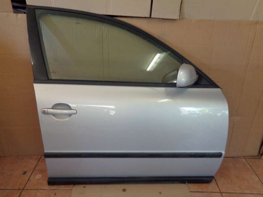VW Passat 3B Limousine Bj:2000 Tür Vorne Rechts Silber Farbcode: LB7Z