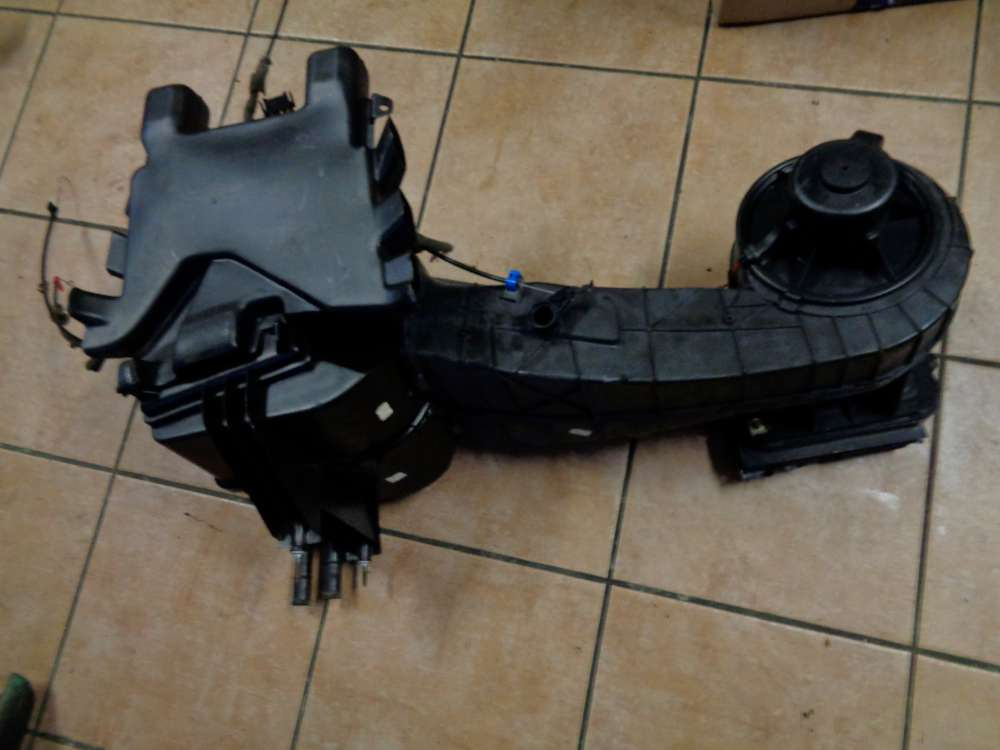Audi 80 Gebläsekasten Heizungskasten Heizung 893819021  893819005A