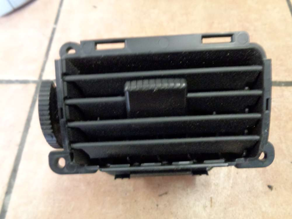 Mazda 3 BK Luftdusche Luftdüse Mitte Vorne Links BP4L64930