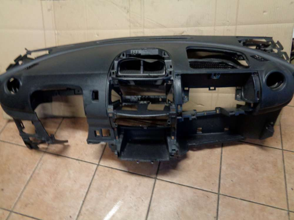 Daihatsu Sirion M3 Armaturenbrett Cockpit 55311-B1020