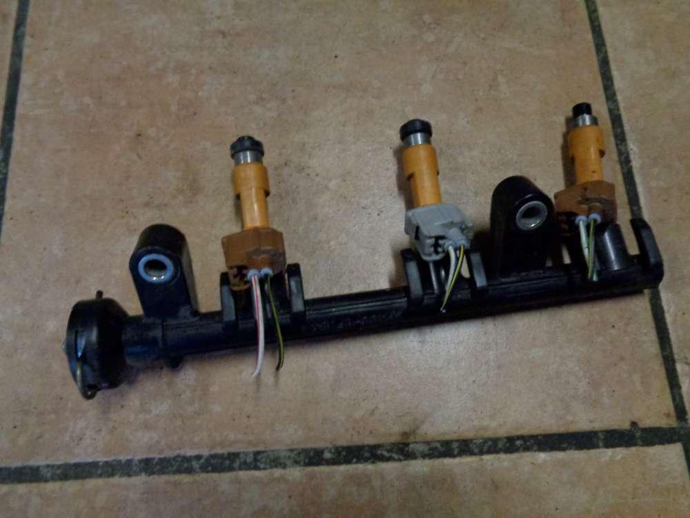 Daihatsu Sirion M3 Einspritzleiste Düsenstock PA66-GF35  23250-40020