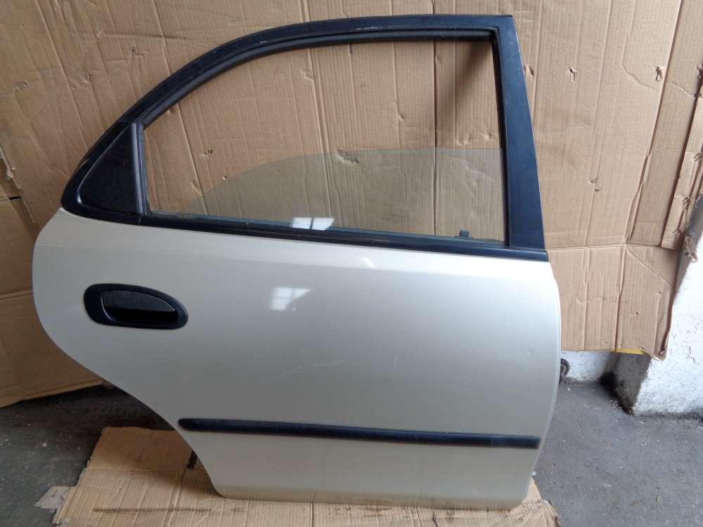 Mazda 323 BA Tür Hinten Rechts Farbe Silber Farbcode 4F