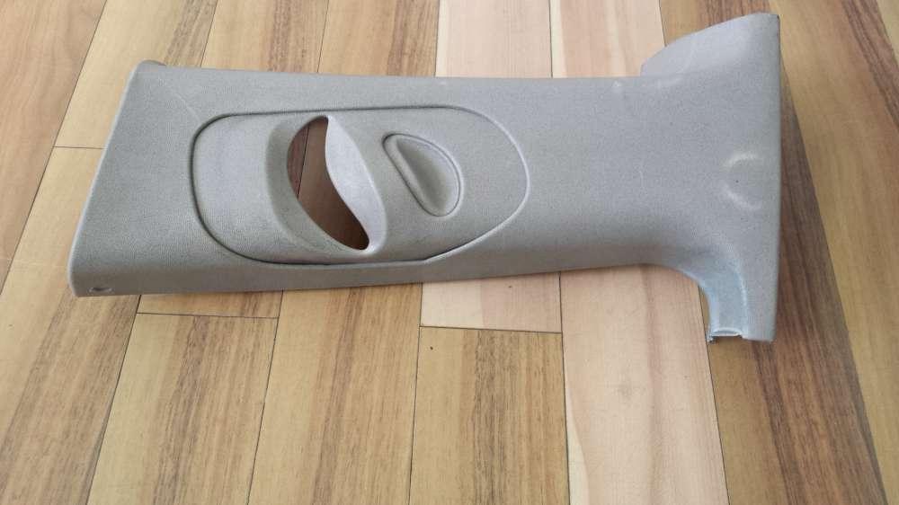 Ford Focus Bj 2001   Verkleidung Gurt links  98AB B24583