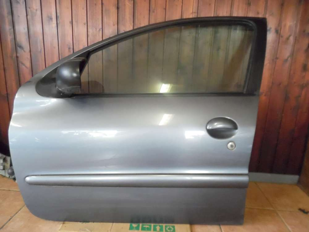 Peugeot 206 5-Türer Bj:2008 Tür Vorne Links  Grau Farbcode : KTH