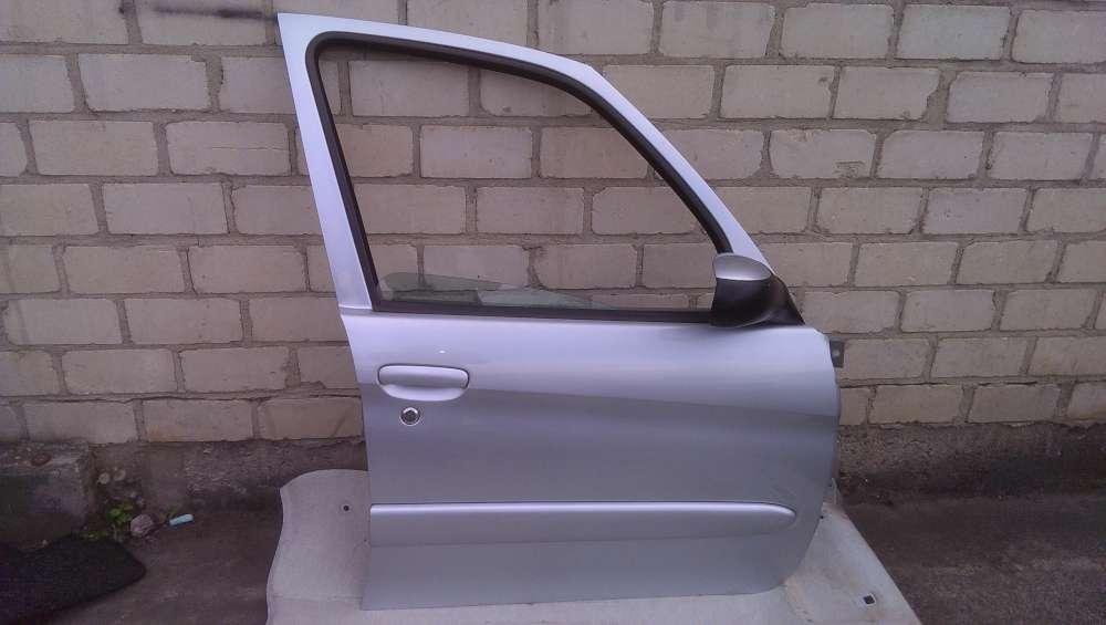 Citroen Xsara Picasso N68 Bj 2001 Tür vorne rechts Gris Aluminium, Metallic Farbcode: EZRC