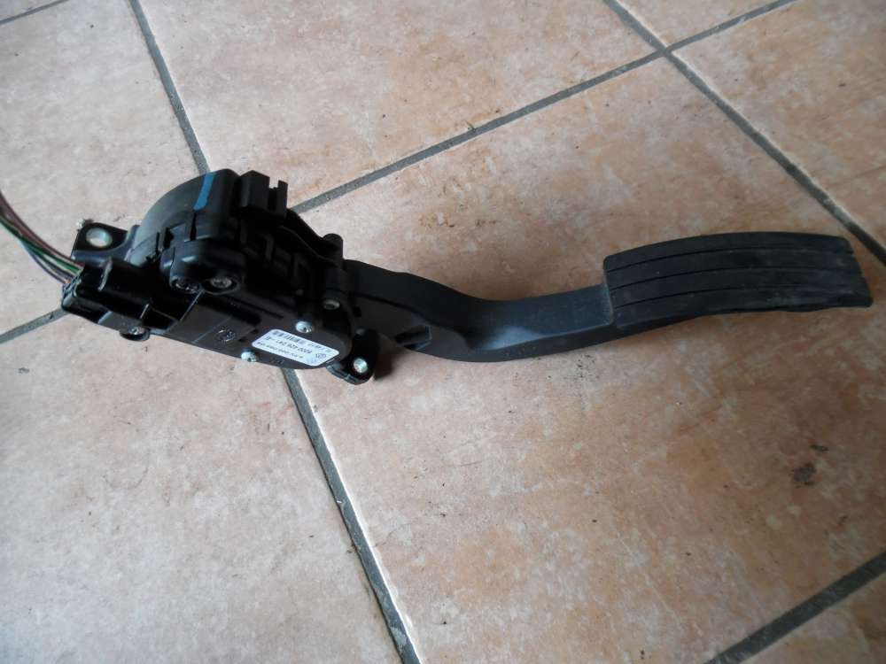Renault Twingo II Gaspedal pedal 8200426241D