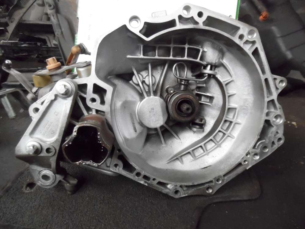 Opel Corsa D Getriebe Schaltgetriebe 55565177  432150