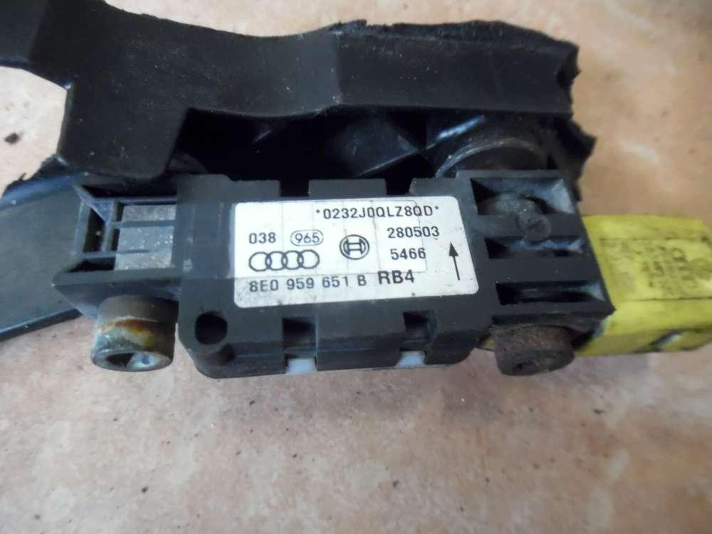 Audi A4 8E Airbag crash sensor 8E0959651B