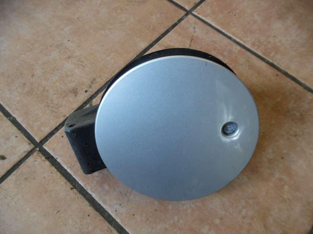 Ford Fiesta V Tankklappe Tankdeckel grau ( ohne Schlüssel ) 2S61A405A02