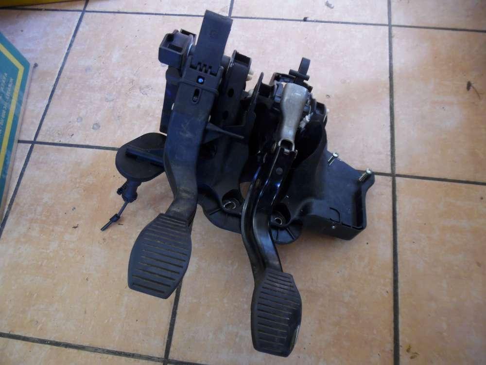 Fiat Punto 199 Bremspedal Kupplungspedal und Kupplungszylinder 50508929