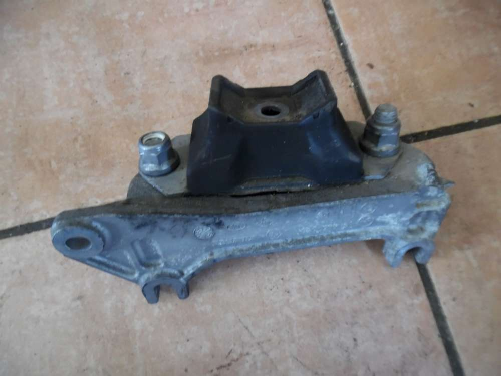 Dacia Sandero Getriebelager Halter 8200216113