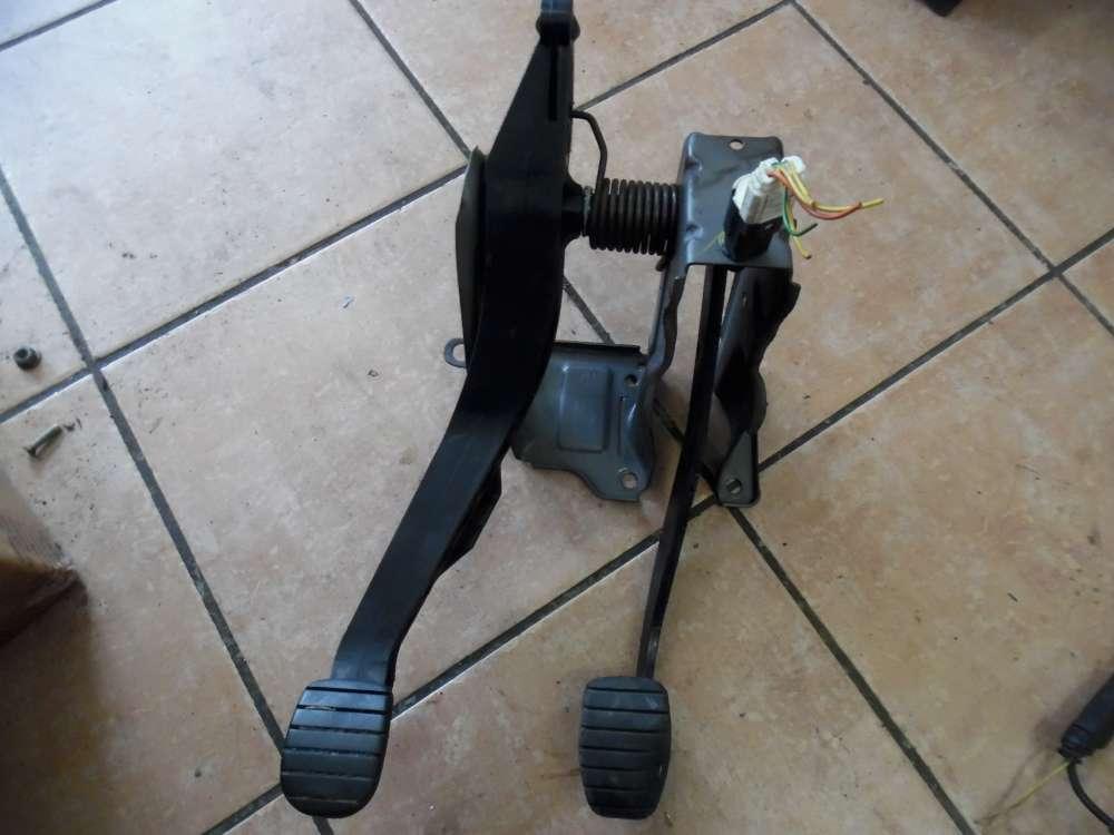 Dacia Sandero Kupplungspedal Bremspedal Pedal