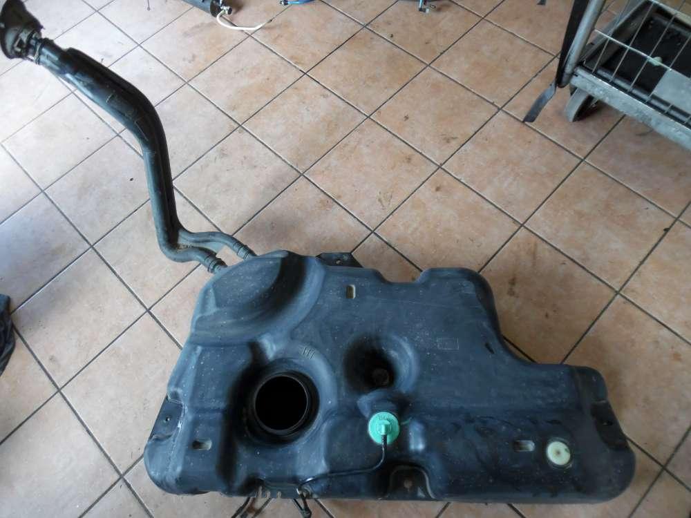 Dacia Sandero Tank Kraftstoffbehälter Benzintank 8200709820
