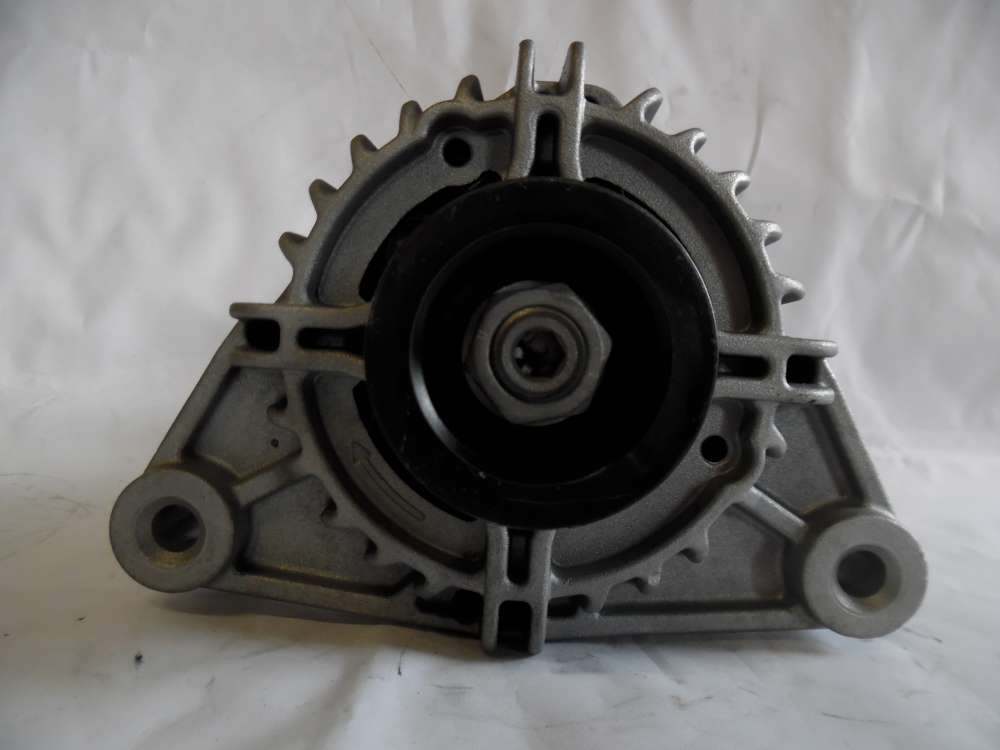 Lichtmaschine Generator 70A Opel ZX 13222929 Denso 012100940