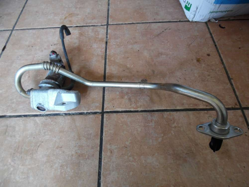 VW Polo 9N AGR Ventil Abgasrückführungsventil mit Rohr 030131818