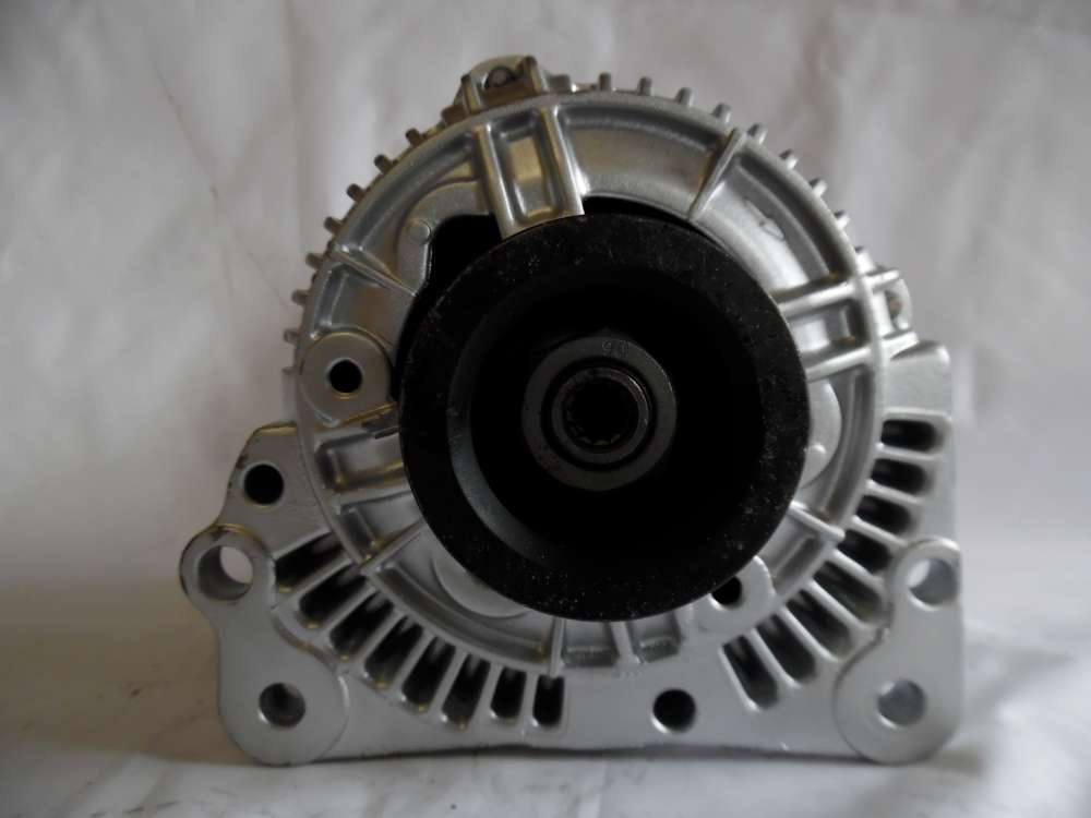 Lichtmaschine Generator 70A VW, Seat 028903025H Bosch 0123310001