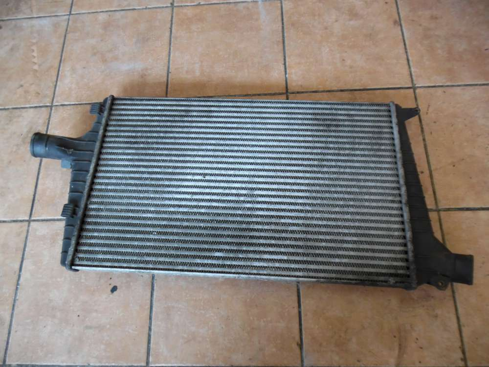 Audi A6 4B Ladeluftkühler 4B0145805A