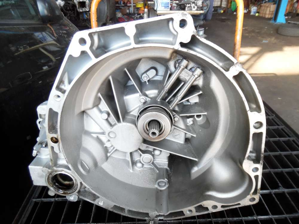 Ford Fiesta V Getriebe Schaltgetriebe  5-Gang 2S6R7002MB