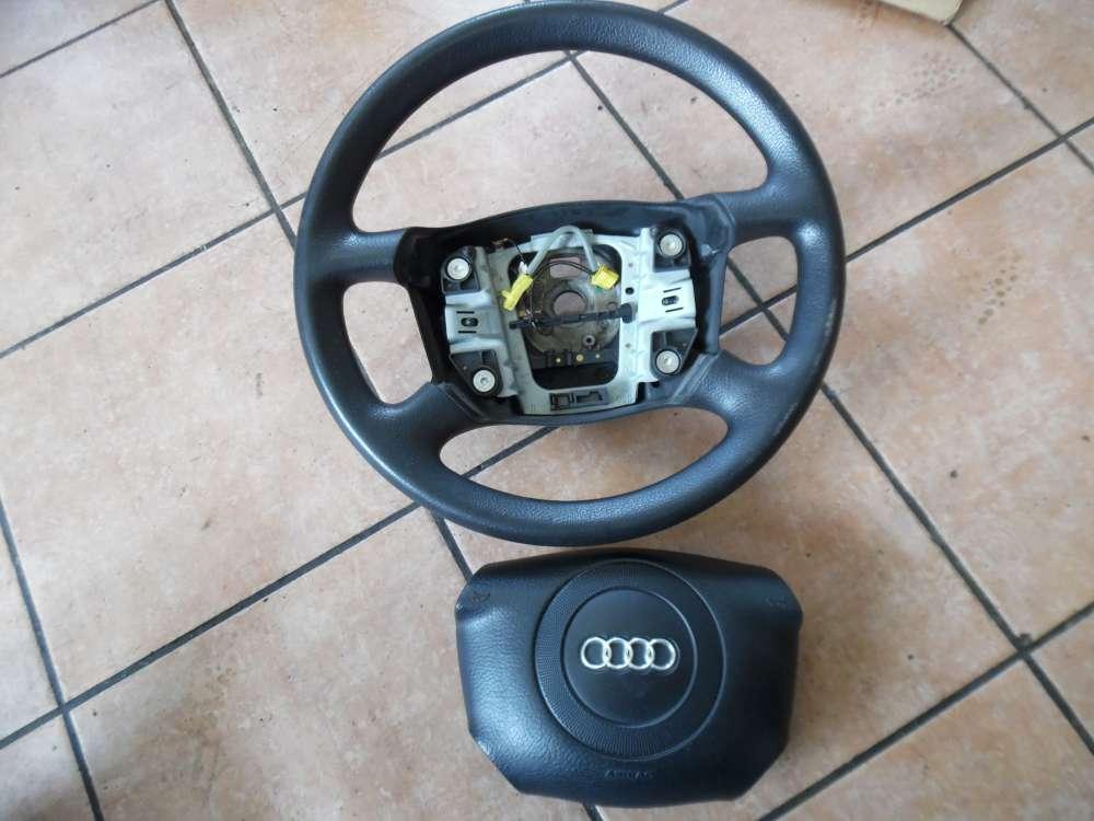 Audi A4 Lenkrad schwarz 4B0124A