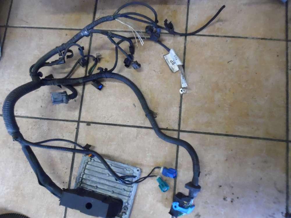 Ford Focus II Motorsteuerung mit Kabelbaum 4M51-12A650-HG 3M5T-12A690 Siemens S118934101G