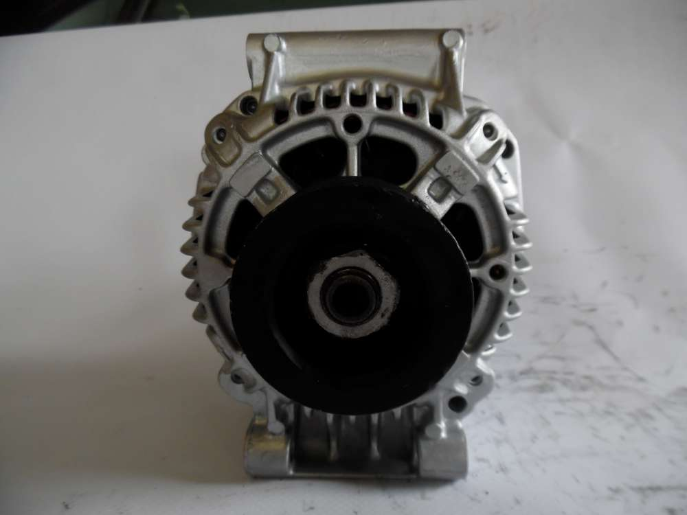 Lichtmaschine Generator 75A Valeo Renault  7700422237 2541980A